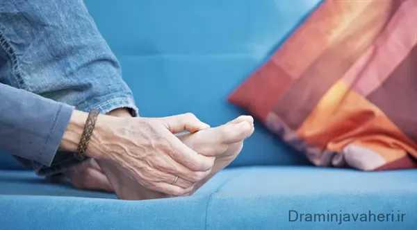 درد انگشت پا به دنبال بیماری نقرس