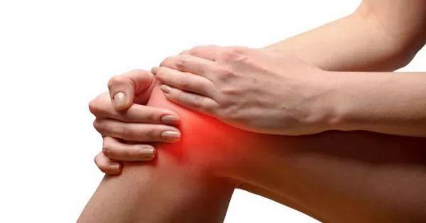 قرمز شدن پوست ناشی از آرتروز زانو در زنان